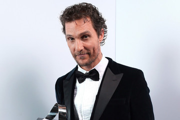 Matthew McConaughey Gets an Award