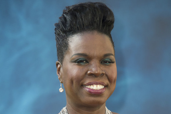 Leslie Jones jokes about her Twitter woes at Emmy Awards