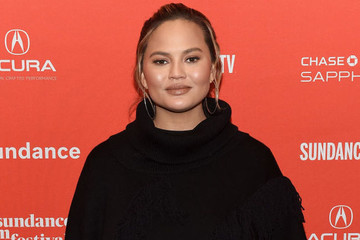 Chrissy Teigen Incited A Twitter War With Vegetarians After Saying She Prefers Her Bacon With 'Chewy Crispy Fat'
