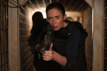 Urgent 'Sicario' Puts You in the Vice Grip, Tightens It