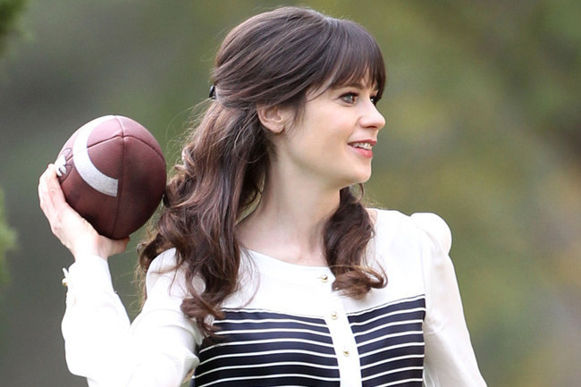 Zooey Deschanel's Workout Method of Choice, the Health Benefits of Shopping, and More