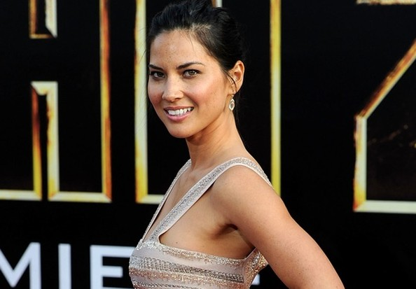 olivia munn had sex with director brett ratner