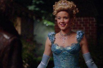 Listen Up, Dearies! Cinderella Is Returning to 'Once Upon a Time'