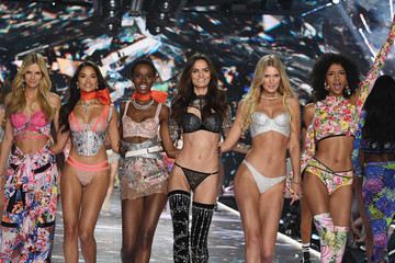 Shanina Shaik Says The 2019 Victoria's Secret Fashion Show Is Canceled