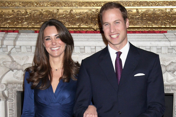 Remember Kate Middleton's Engagement Dress? It's Back—in Maternity Sizing!