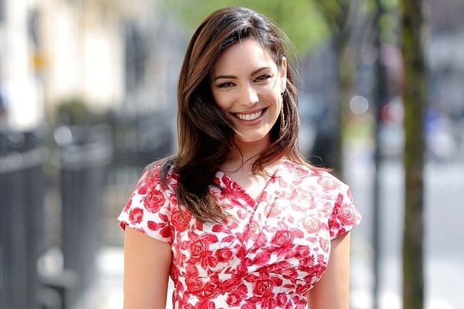 Obsessed: Kelly Brook's Retro Rose Dress