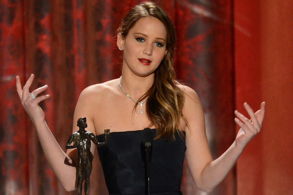 Hunger games star jenniffer lawrence Sag Acceptance speech
