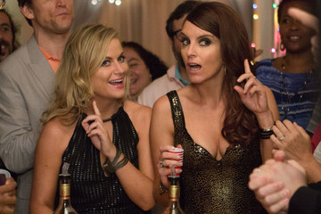 """Hey Girrrrl..."" The New 'Sisters' Trailer is Party Chick Madness"