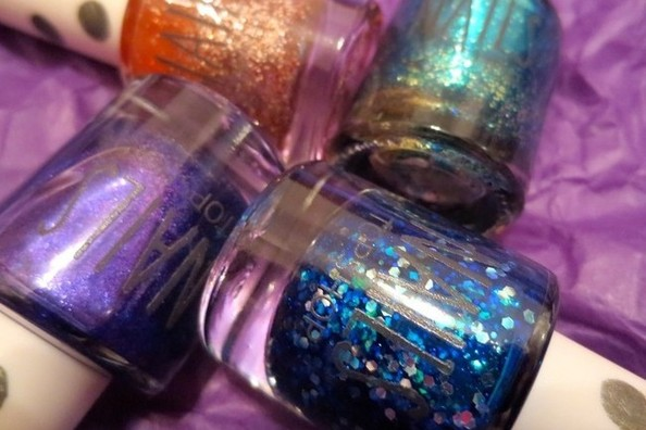 Nail Obsession of the Day: Topshop's Not-Too-Sparkly Glitter Nail Polish