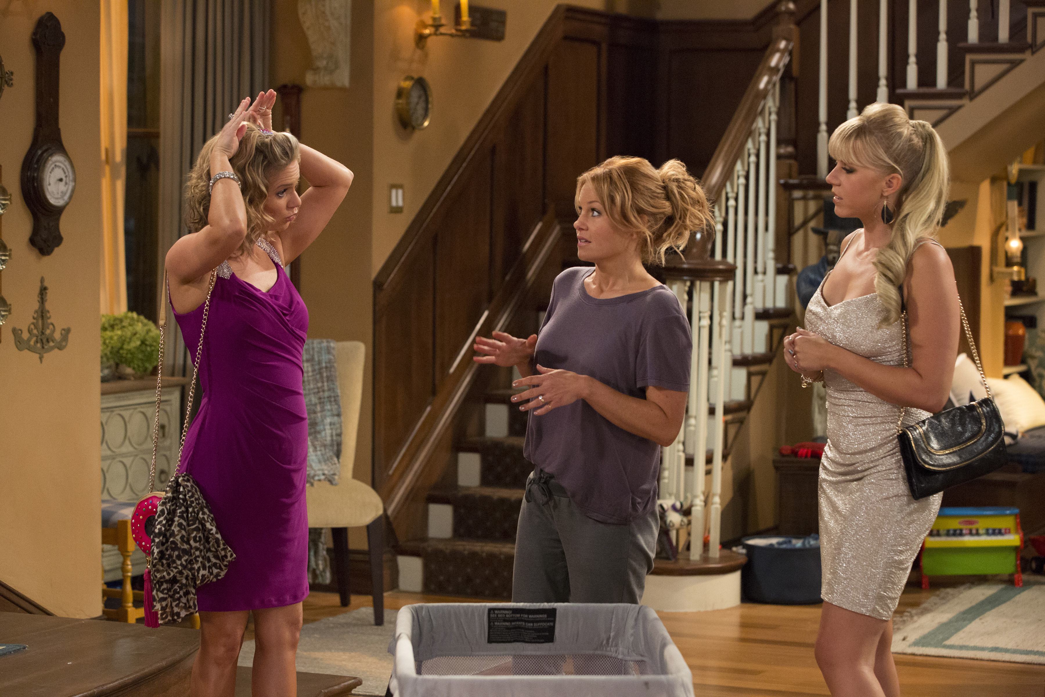 new fuller house photos feature the family reunion we ve all new fuller house photos feature the family reunion we ve all been waiting