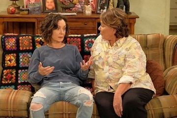 Roseanne Barr 'Seriously Considering' Giving Up Rights To 'Roseanne' Spinoff