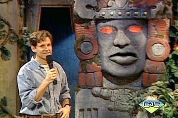 Hey Silver Snakes, the 'Legends of the Hidden Temple' Movie Is Getting Its Original Host Back