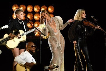 Beyonce & the Dixie Chicks Totally Killed It at the 2016 CMAs