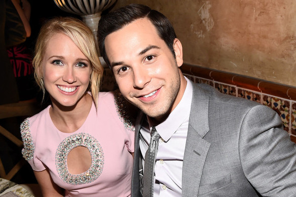 'Pitch Perfect's' Anna Camp And Skylar Astin Are Engaged