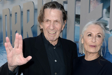 The 'Star Trek Beyond' Cast Honored Leonard Nimoy with a Group Vulcan Salute