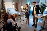 'Revenge' New Photos - Emily Meets Her Mom