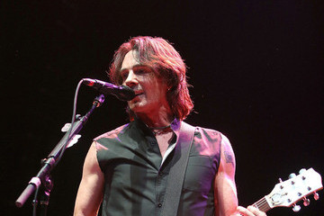 Rick Springfield Opens Up About His Fans, His First Loves, and How Hard It Is for Justin Bieber