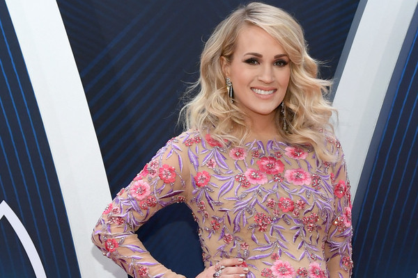 Pregnant Carrie Underwood Looks Happy And Healthy At The CMAs