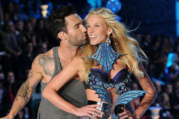 Adam Levine Doesn't Think It's Weird to Exclusively Date Victoria's Secret Models