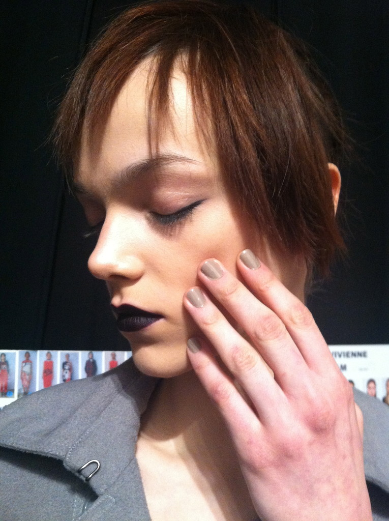 If You Loved the '90s, You'll Love the Beauty Look at Vivienne Tam