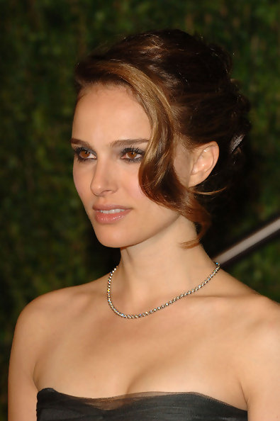 Natalie Portman Prom Hairstyle Ideas 2010 Celebrity Prom