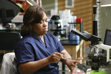 'Grey's Anatomy' New Photos: Bailey on Her Own