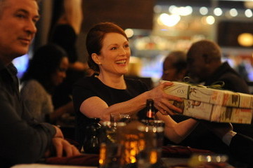 The Great One, Julianne Moore, Carries 'Still Alice'