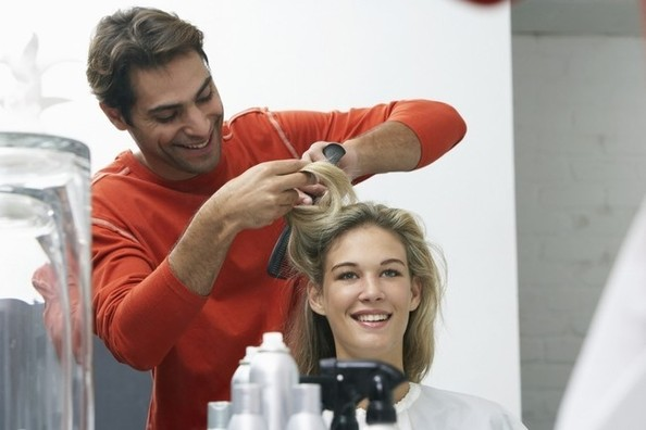 Want Perfect Hair? Well, You Can Now Send Your Manfriend to Blowout Classes!