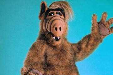 ALF, Your Favorite Cat-Eating Alien, Is Heading Back To TV