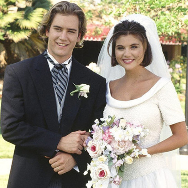 Kelly Kapowski In Saved By The Bell Tv Wedding Dresses Ranked From Best To Worst Zimbio