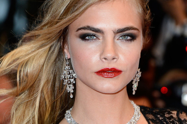 Cara Delevingne Got a New Tattoo, How to Wash Your Hair in Space, and More!