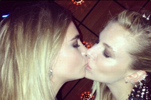 ora lesbian personals Meet ora singles online & chat in the forums dhu is a 100% free dating site to find personals & casual encounters in ora.