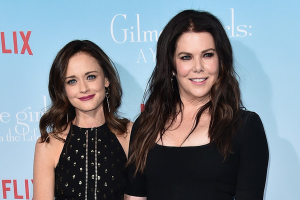 Lauren Graham and Alexis Bledel Talk 'Gilmore Girls' Return