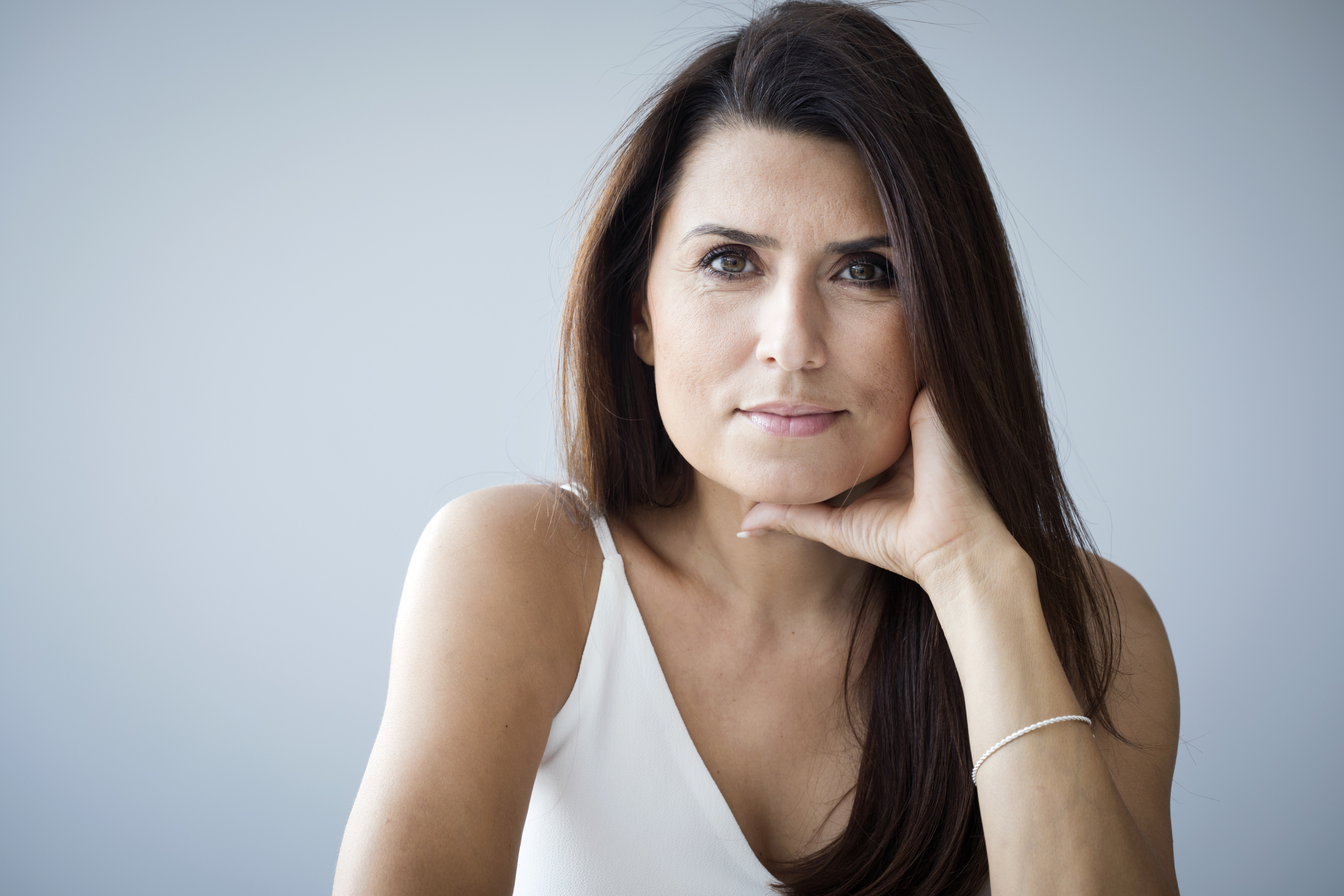 Going Through Early Menopause? Symptoms, Causes, And Tips To Cope