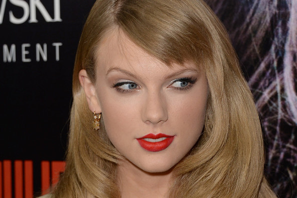 Love it or Loathe it: Taylor Swift's Side Bangs