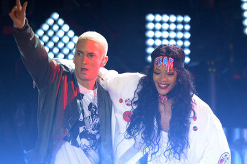 People Are Still Buzzing About Rihanna's Surprise Performance with Eminem