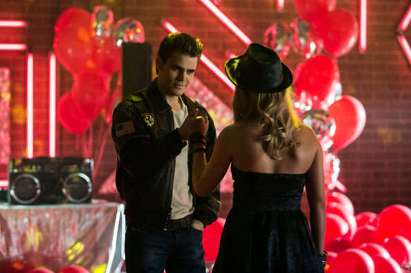 'Vampire Diaries' Scoop - Check out 25 New Sneak Peek Pics