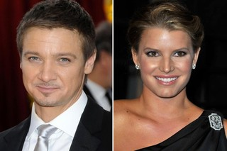 Jeremy Renner Wasn't Flirting with Jessica Simpson at Oscars After Party