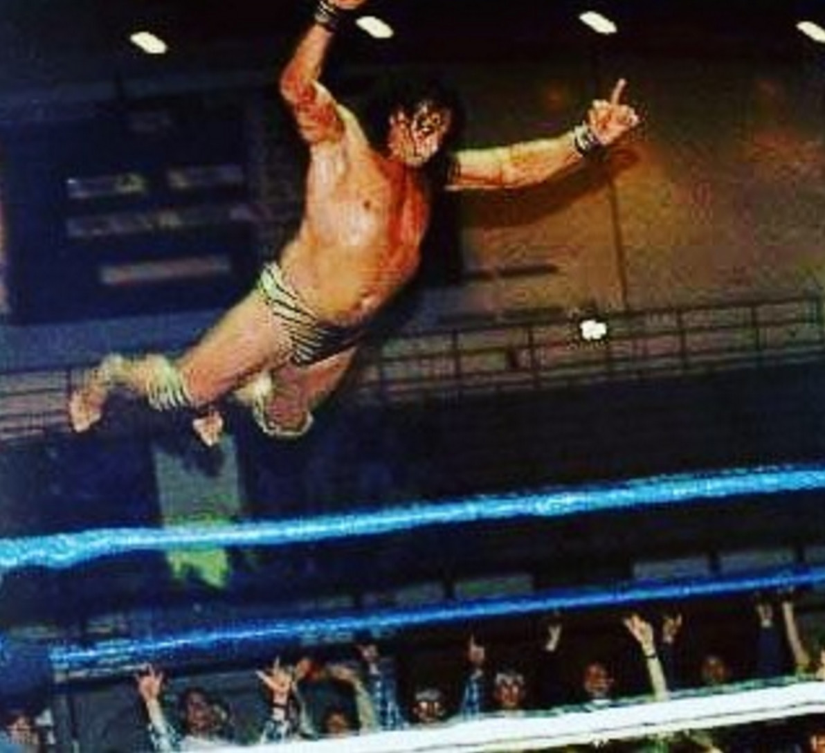 dwayne the rock johnson has announced the death of pro wrestler jimmy superfly