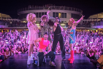 Backstreet Boys Celebrate Girl Power By Dressing Up As The Spice Girls