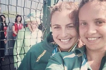 Queen Elizabeth Photobombing a Selfie Is the Best