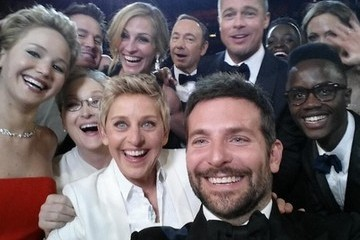 These Are All the Selfies Ellen Took While Hosting the Oscars