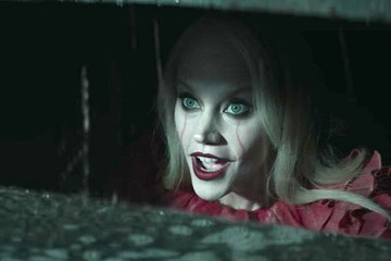 'SNL' Reimagines the Goriest Scene in 'It' With Kellyanne Conway as Pennywise