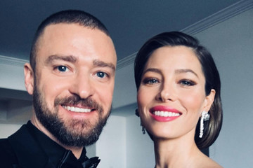 The Best Behind-the-Scenes Photos From the 2018 Golden Globes