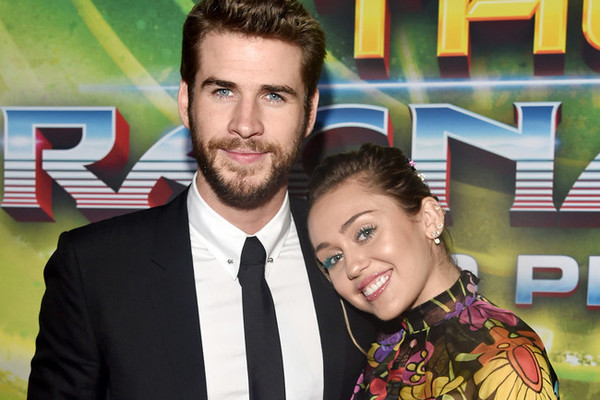 Liam Hemsworth and Miley Cyrus Cuddle Up at the 'Thor: Ragnarok' Premiere
