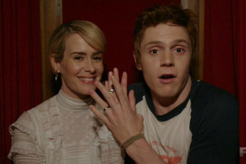 British Sarah Paulson and Ginger Evan Peters Are the Best New Thing About 'American Horror Story: Roanoke'