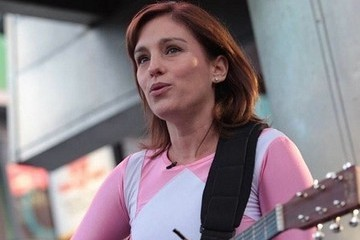 Proof That Amy Jo Johnson Will Always Be the Pink Ranger