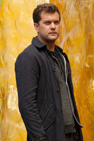 'Fringe' Season 5 First Photos - Peter Searches for Olivia