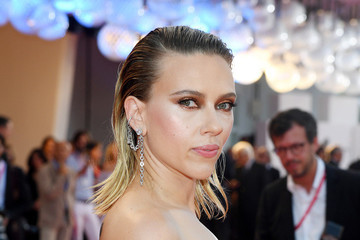 Scarlett Johansson Defends Woody Allen Against Abuse Allegations