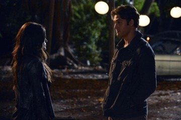 'Pretty Little Liars' Sneak Peek: 'Into the Deep'